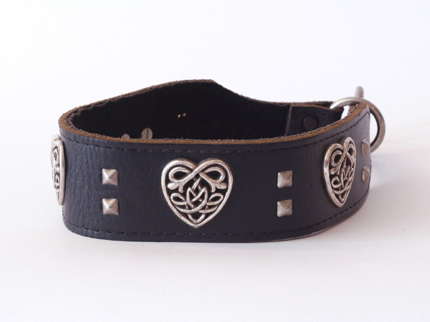 celtic-heart-black-golden-hound